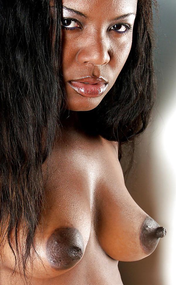 Ebony basantii