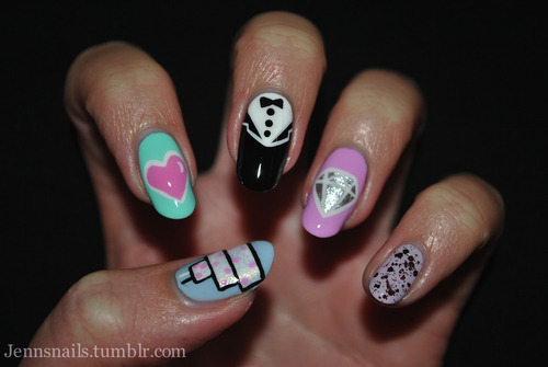 unhasgatas:  Jenn's Nails on We Heart It - http://weheartit.com/entry/41040289/via/marynaoliveira