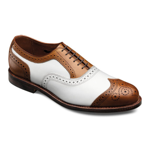 archiveofshoes:  -Need a deal for spring?- Allen Edmond Hamptons -discontinued and cheap- for your inner Gatsby.  Sadly, no 10.5D left in stock. This would be the ideal summer shoe (along with white bucks).