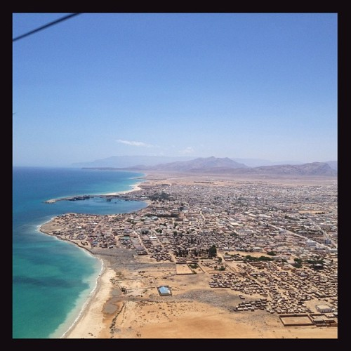 An aerial view of #Bosaso, economic capital of #Puntland, the semi-autonomous region north of south-central #Somalia. Photo by @nicholesobecki.