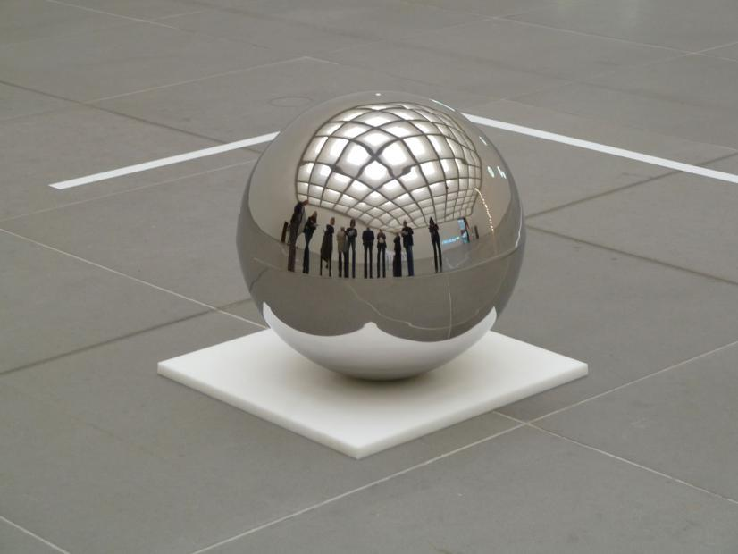contemporary-art-blog:  Danish artist Jeppe Hein, Spinning Ball, 2008Contemporary-Art-Blog