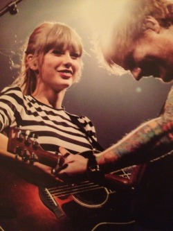 redtournews:  Everything Has Changed Red Tour book (credit: redtournews)