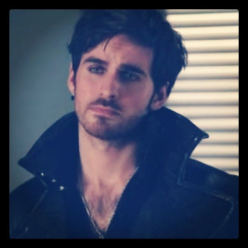 sunrise080213:  and here's my reason to watch #OnceUponATime #ABC #Hook #oncers #CaptainHook #ouat #Captain #Collin  ok…so i dont usually like captain hook in any form….butt ohhh i love this 1!!!