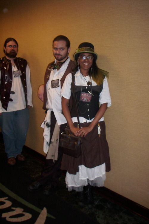 aikokzanu:  Some more photos of fantastic people from the Steampunk World's Fair by myself and my crappy camera.  Charlie Chaplin ahhh! KILTS! FINN! COATS! BLAH SO AMAZING!