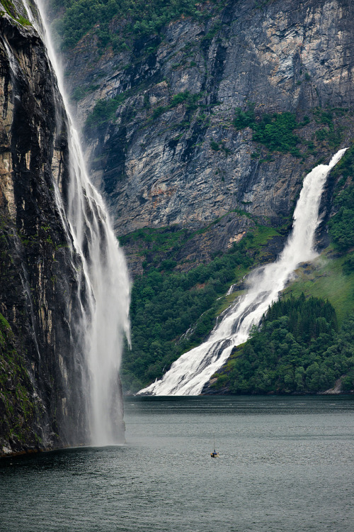 wandering-through-nature:  naturae: Brudesløret fall (by  Giuseppe Citino )