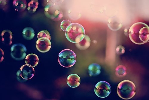 meowkittykat92:  bubble soap on We Heart It. http://weheartit.com/entry/59117560/via/UmMonstro