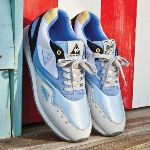 otherleo:  Le Coq Sportif x Sneaker Freaker Flash  Liking this alot.