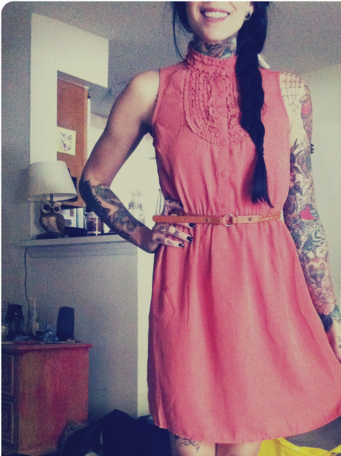 you-want-to-be-god:  kidcalledprodigy: classy, well dressed ladies with ink….unf!