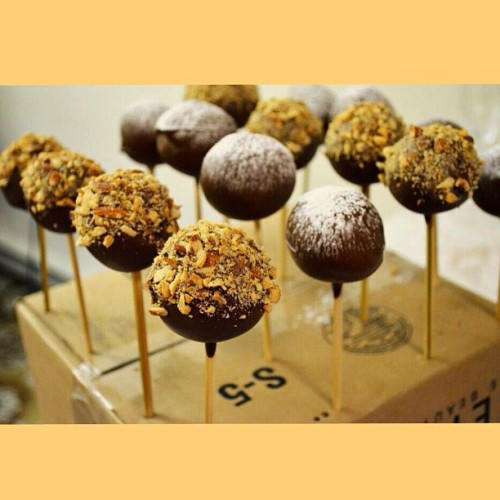Pretty legit? :) #homemade #cakepops #cake #chocolate #starbucks #foodporn #dessert