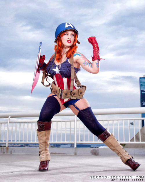 Rule 63: Stephanie Castro als Vintage Captain America