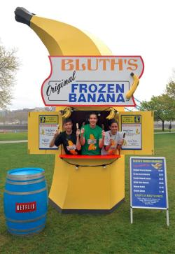 It's all happening! Bluth banana stands are becoming a magnificent reality. The Arrested Development promotional banana stand will be popping up in London, LA, and NYC (no Philly? C'MON!), and for a mere $10, you can try your own frozen banana. (Okay, just kidding. They're like $1. But I would actually pay $10.) (via Urban Outfitters - Blog - Bluth's Banana Stand)