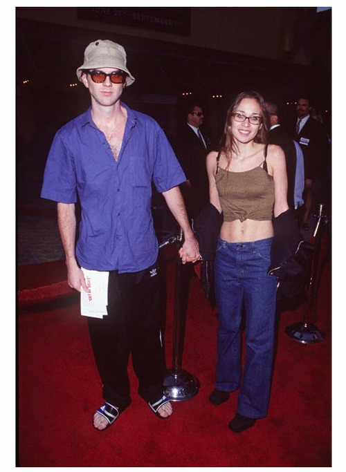 abidism:  Paul Thomas Anderson and Fiona Apple being super 90s.  PT looks like he's about to hand you a flier for a medical weed doctor on the venice beach boardwalk