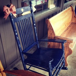 Rocking chairs by Cracker Barrel #rocking #chairs #country #usa #sc #Charleston #breakfast #cozy