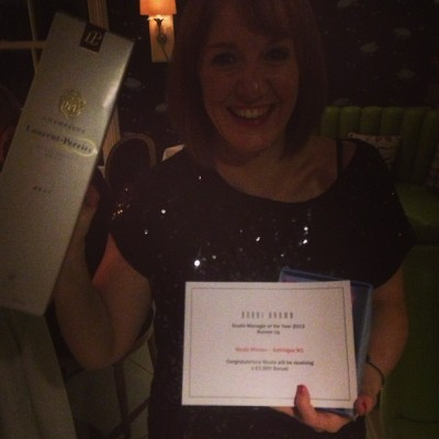 Nicola Whelan got awarded again… Well done!!! You sooo deserve it… Because You AWESOME!!! @bobbibrowncosmetics @justbobbibrown