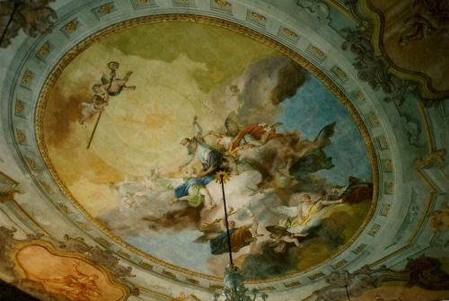 "a-l-ancien-regime:  Francesco Zugno (c. 1708–1787)  1773  ""Apotheosis of St. Lawrence Giustiniani"" fresco on the ceiling of the ""piano nobile"" of the Episcopal Palace Giustiniani (auj.musée Glass) in Murano, near Venice. Francesco Zugno  was an Italian painter of the Rococo period born in Brescia. Among his masterworks is a series of wall frescoes of figures in quadratura balconies—part genre, part courtly conceit. He  had collaborated with Tiepolo in the frescoes for Palazzo Labia."