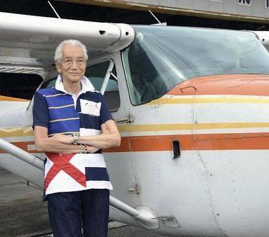 2011-11:  (日本海軍の伝説 海面スレスレを飛び米空母を襲う一式陸攻の、あの超練度パイロットがまだ現役らしい: 大艦巨砲主義!から)