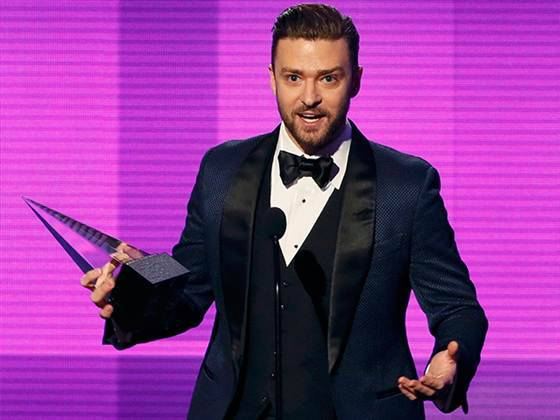 "breakingnews:  Timberlake, Rihanna, Taylor Swift among AMA winners Today Show: At the Sunday night awards, Justin Timberlake  claimed the award for favorite male soul and R&B artist. And later, he won the award for favorite soul and R&B album for his album, ""The 20/20 Experience."" Rihanna won the award for favorite female soul and R&B artist, while Taylor Swift claimed the honor for favorite country album for ""Red. Macklemore and Ryan Lewis won for favorite rap and hip-hop album for ""The Heist."" The two accepted live via satellite from Miami, where Macklemore used their location to implore listeners to fight racism.Photo: Lucky Nicholson  In case you missed it."