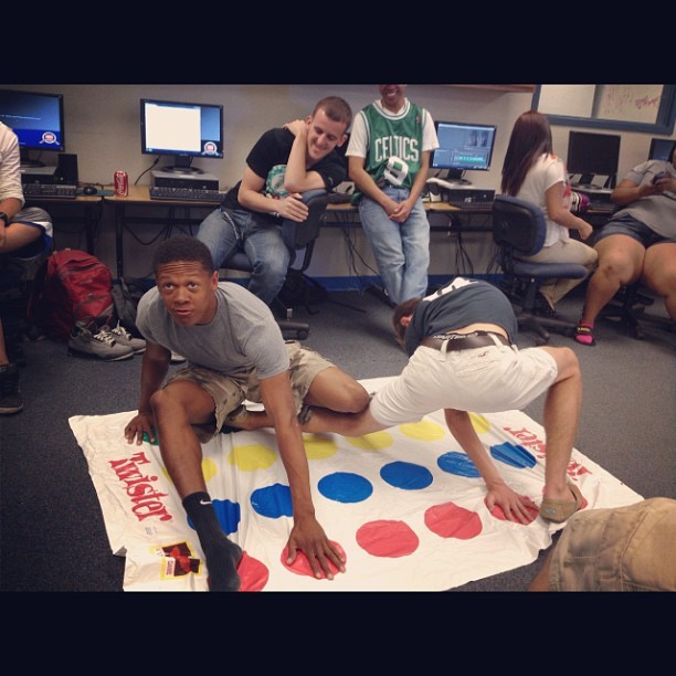 What we do in 2nd hour. That young twister game. #trill #active #turnt #bars #swaggo #imthechampion #BraxtonVsChé @braxtontyrone #fun #wecool #swagg #baddies 😎😂🔴🔵🔴🔵