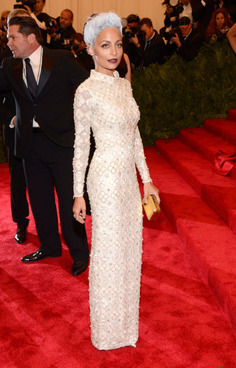 journaldelamode:  Nicole Richie in Topshop at MET Ball 2013.