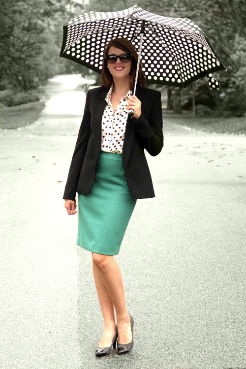 Emerald pairs perfectly with Black and White in this look from Jessica of What I Wore.