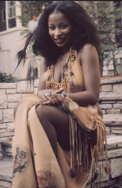 soul-asylum:  Chaka Khan. The heavenly soul Goddess.