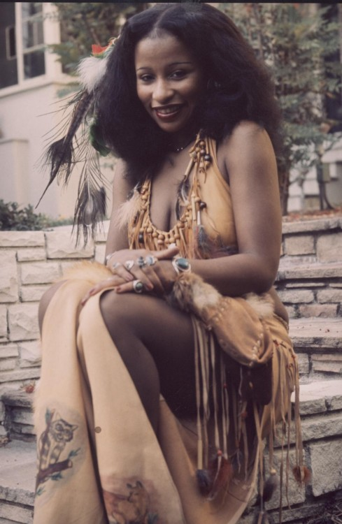 akissonthecollarbone:  soul-asylum:  Chaka Khan. The heavenly soul Goddess.   Chaka is perfect