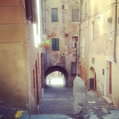 thecamillerules:  #terra #siena #sole #casa (presso Siena Piazza Del Duomo)