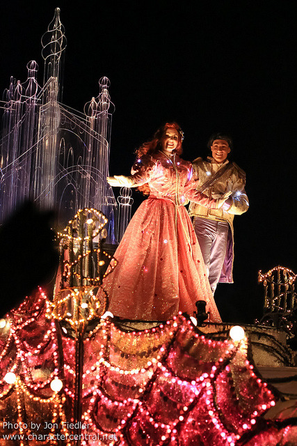 DLP Halloween 2012 - Disney's Fantillusion by PeterPanFan on Flickr.