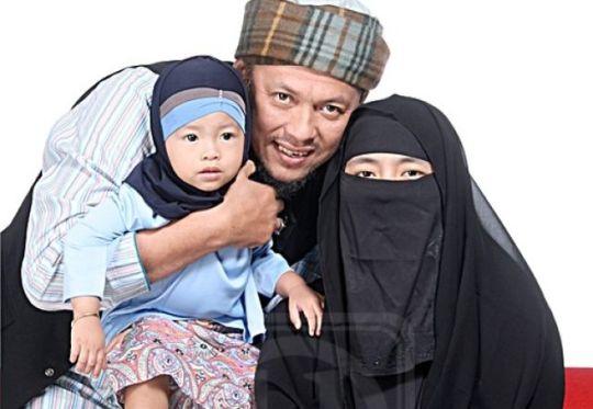 Keluarga Iwan Syahman