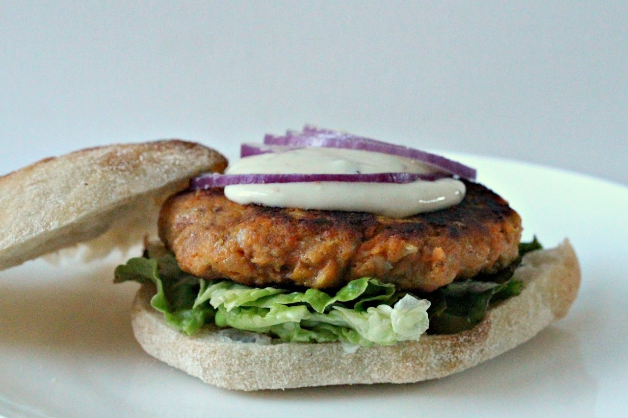 sweet potato burger with chipotle garlic yogurt dressing