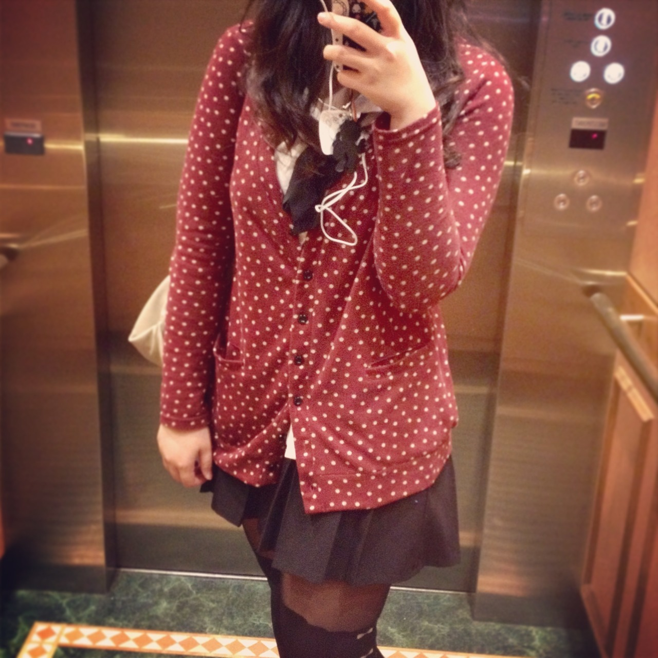 17/05/13 - 家で大きい鏡がないからエレベーターでw  //awkward photo in the lift cos I don't have a big mirror at home (´∀`;)