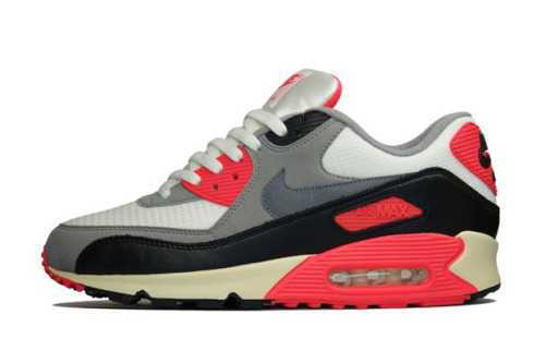 Nike Air Max 90 OG Already on pre-order, the re-release of the the classic OG edition of the AM90 is selling quick. Like the original colourway the shoe features multi-layered uppers with black, grey and infrared. The difference with these is the vintage detailing on the sole with the off white. Personally the sole ruins it for me as i'm not a fan of the off white in general. I'll leave you guys to decide! Available to pre-order now from stockists such as Hanon Shop.