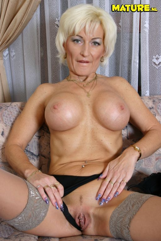 Blonde granny who waits for her doctor 10