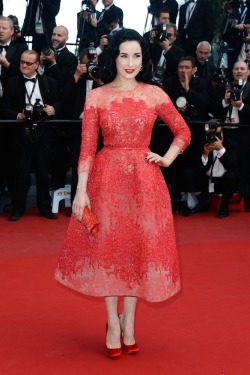 Coral dress (Dita Von Teese attends the Cleopatra premiere @Cannes Film Festival)