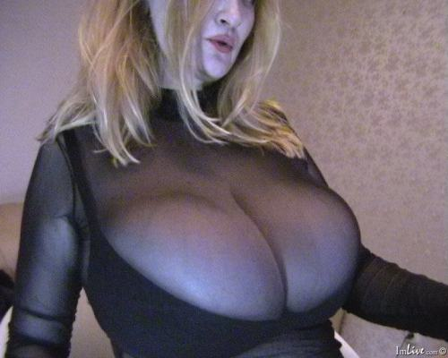 Unbelievable huge titted housewife, Jane aka BestTits, is ready to take out these massive heavy knockers LIVE on webcam! BOOB ON!