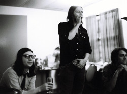 THE RACONTEURS - BACKSTAGELITTLE JACK LAWRENCE, PATRICK KEELER and DEAN FERTITA