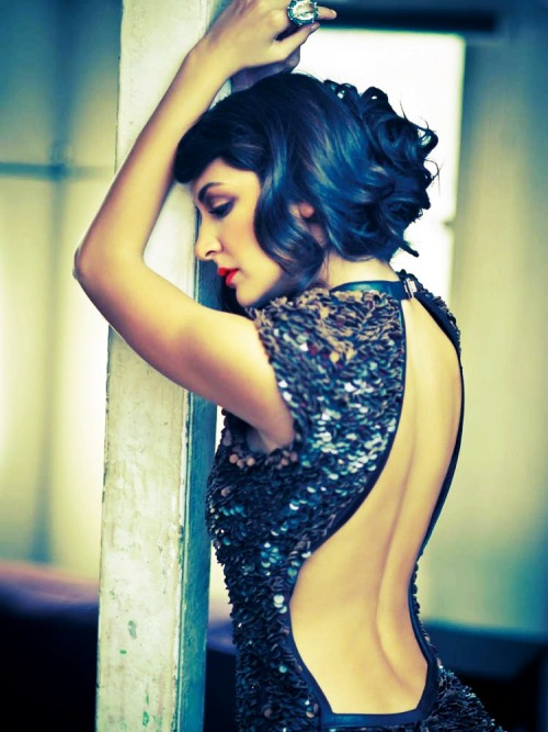 aankhon-main-teri:  Rainbow Stars: Blue Anushka Sharma for Harper's Bazaar 2012
