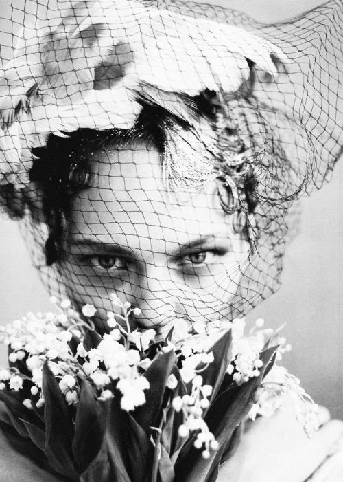 "bienenkiste:  ""The Wedding Party"". Sasha Pivovarova by Arthur Elgort forVogue US June 2009"