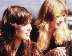 bohogypsygirl:  superseventies:  Ann and Nancy Wilson of Heart, 1977.  god damn! that perfect hair, ladies!