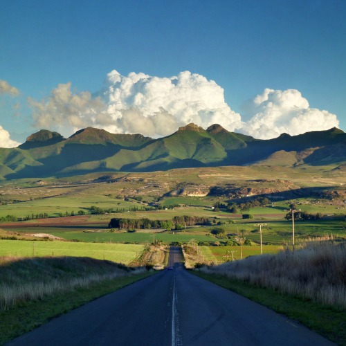 travelingcolors:  Maluti in sight | South Africa (by Damien du Toit)