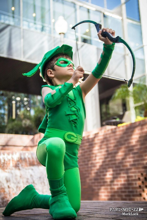Green Arrow, photographed by MurkLock of PAPANOTZZI