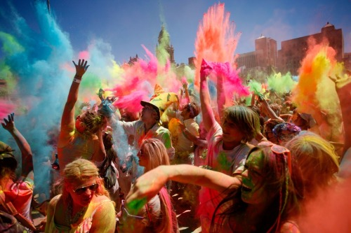 fay19:  Cape Town's Holi One Colour Festival on We Heart It - http://weheartit.com/entry/56674064/via/fairy91 Hearted from: http://www.euronews.com/picture-of-the-day/2013/03/03/cape-towns-holi-one-colour-festival/