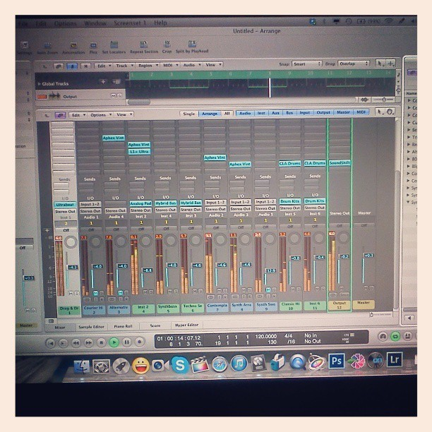 """ Making A Beat On Logic Pro 9       Back To My Roots """