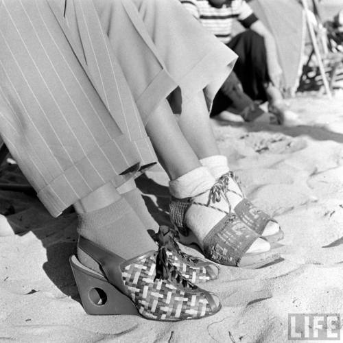 (via More summer clothes from 1940 – Johanna's blog)
