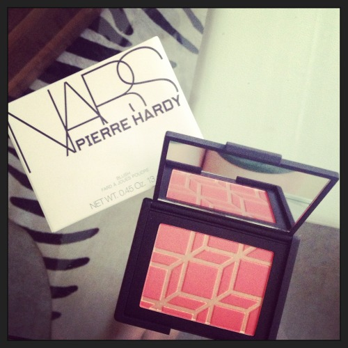 Fun surprise from my sister <3 - NARS x Pierre Hardy blush. NARS is by far one of my favorite beauty brands - I love their limited edition products and their many collaborations with inspiring people/brands, like the Daphne Guinness collaboration and the Kabuki collection.
