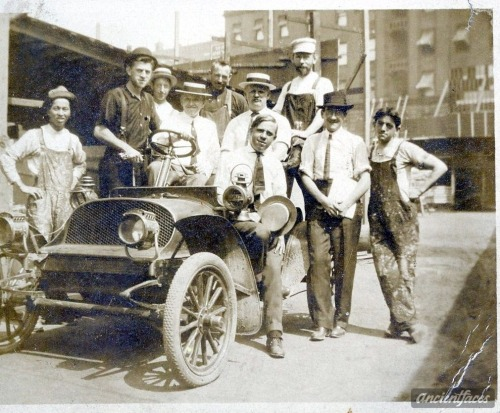 A New Car in 1908 Meet Howard Van Buskirk showing off his new car to his buddies in 1908. [ Details:  Howard Van Buskirk ]