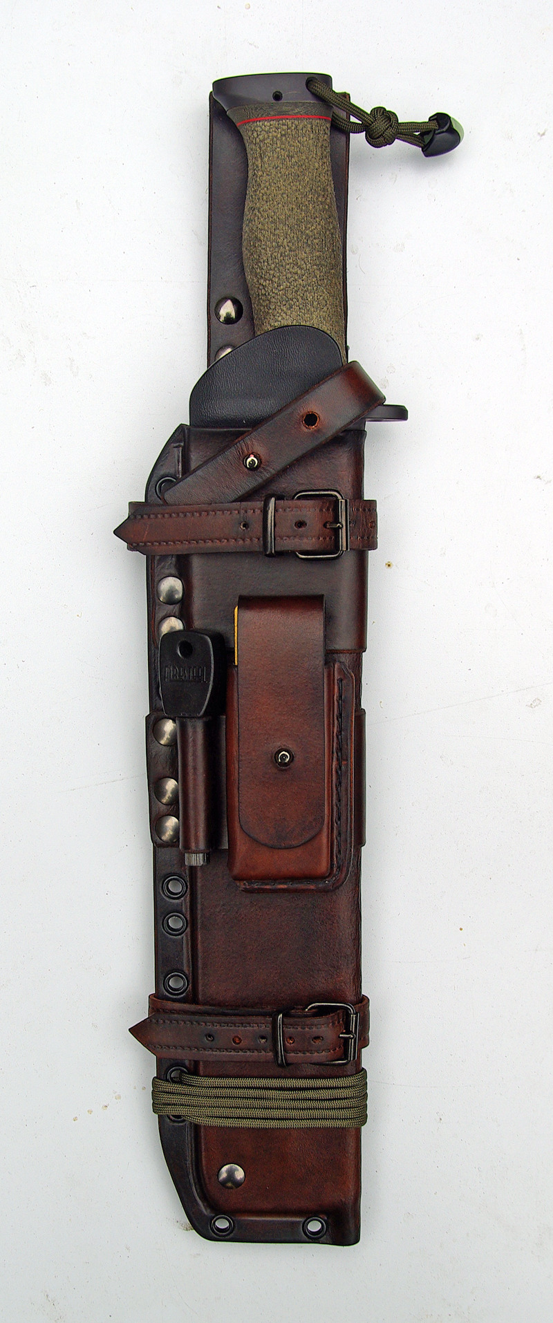 iamoceanic:  a-nice-change:  deusexarma:  Martin Sheaths hand-made, half-tanned leather and/or kydex sheaths. Definitely getting one made for my next bike.  I'd love to buy my hubs this :)  This is beautiful