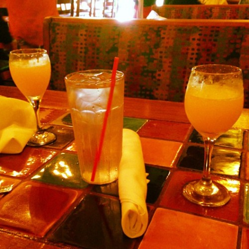 Bottomless mimosa brunch! #nearby #eltorito #soclose #brunch #yum #mimosas #bottomlessmimosa #sundayfunday #may #mayphotoaday #photoaday #photoadaychallenge #day18 #dayeighteen (at El Torito)
