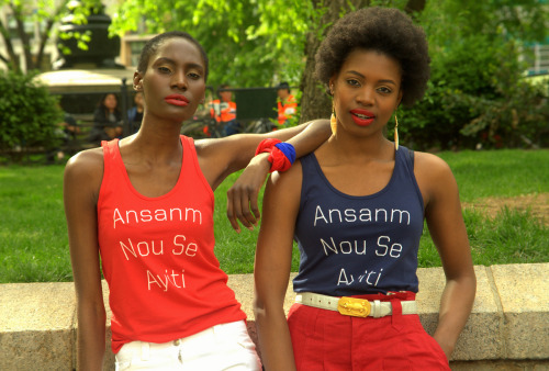 18-15n-77-30w:  ansanmnouseayiti:  Paola and Ania ready for Haitian Flag Day! www.ansanmnouseayiti.com  http://18-15n-77-30w.tumblr.com/
