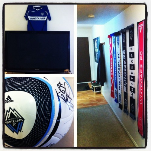One day at a time…paraphernalia up. @whitecapsfc #gettingsettled #newchapter  #kootenayskillit #letitsnow #whitecapsfc #gocapsgo